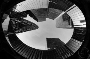 Esplanade Photo - Vue d'en bas de la Défense 01